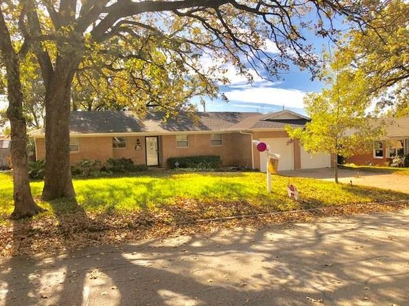3 bed 2 bath Single Family at 1709 Sheffield Pl Fort Worth, TX, 76112 is for sale at 185k - 1 of 15