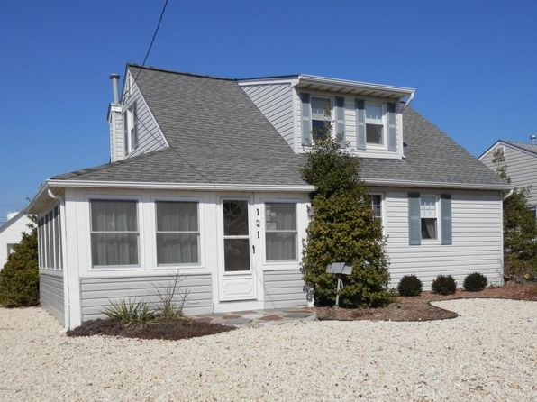 2 bed 2 bath Single Family at 121 Jersey City Ave Lavallette, NJ, 08735 is for sale at 569k - 1 of 18