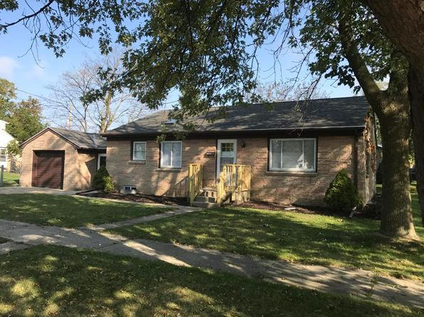 3 bed 1 bath Single Family at 802 Manistique Ave South Milwaukee, WI, 53172 is for sale at 145k - 1 of 9