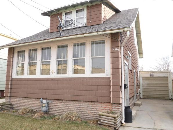 2 bed 1 bath Single Family at 1709 Monroe St Two Rivers, WI, 54241 is for sale at 32k - 1 of 18