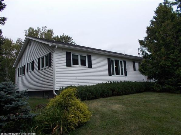 2 bed 2 bath Single Family at 92 DUMOND RD FORT FAIRFIELD, ME, 04742 is for sale at 133k - 1 of 34