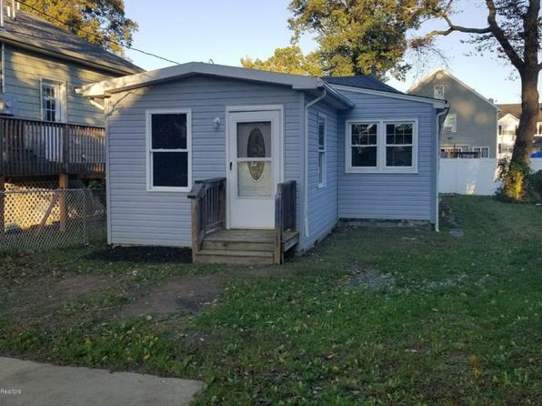 2 bed 1 bath Single Family at 14 Beechwood Ave Keansburg, NJ, 07734 is for sale at 38k - 1 of 15