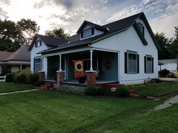 3 bed 1 bath Single Family at 612 W Main St Council Grove, KS, 66846 is for sale at 113k - 1 of 16