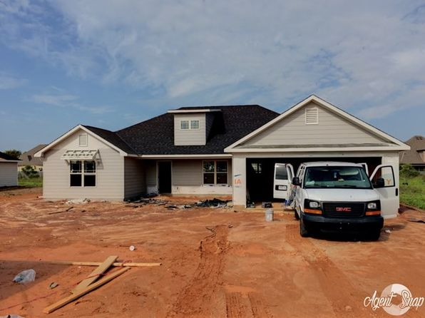 4 bed 2 bath Single Family at 6 Snow Shoe Ct Fort Mitchell, AL, 36856 is for sale at 175k - 1 of 2