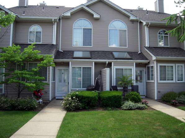 2 bed 2 bath Townhouse at 37 Birchwood Rd Bedminster, NJ, 07921 is for sale at 349k - 1 of 23