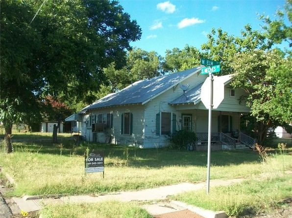 2 bed 2 bath Single Family at 416 W Elm St Coleman, TX, 76834 is for sale at 18k - 1 of 4