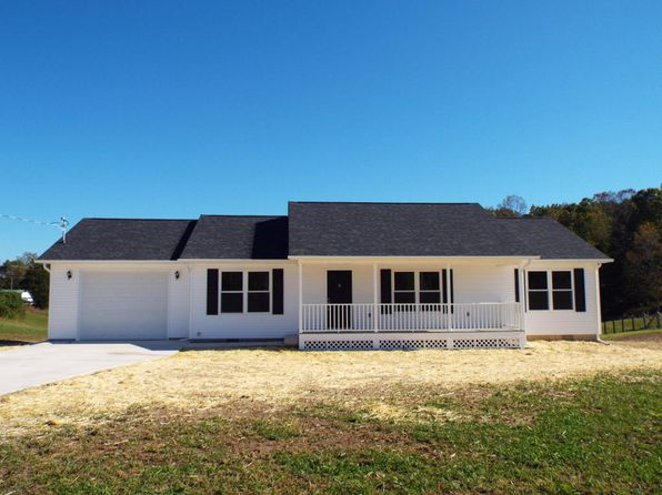 3 bed 2 bath Single Family at 1011 Lakewood Rd Jacksboro, TN, 37757 is for sale at 158k - 1 of 26