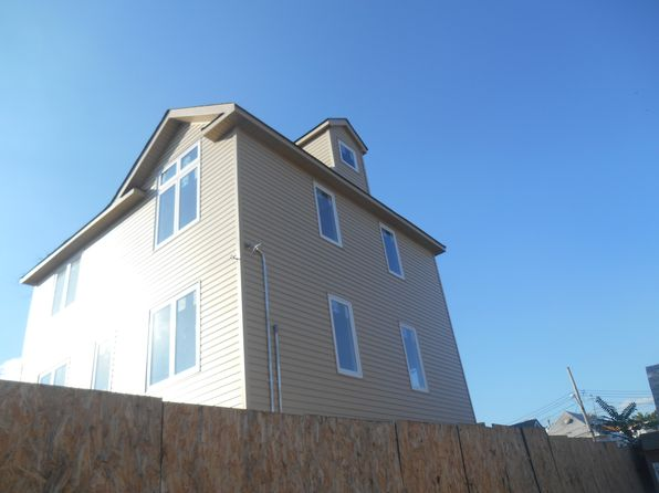 4 bed 3 bath Single Family at 49 CENTER PL STATEN ISLAND, NY, 10306 is for sale at 600k - 1 of 20