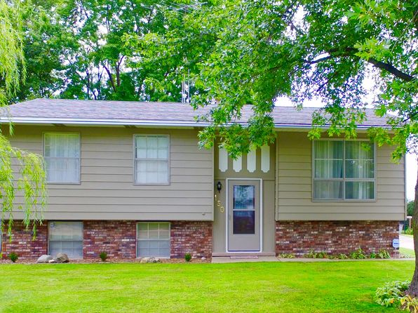 5 bed 2 bath Single Family at 150 Magnuson Ln Somonauk, IL, 60552 is for sale at 215k - 1 of 12