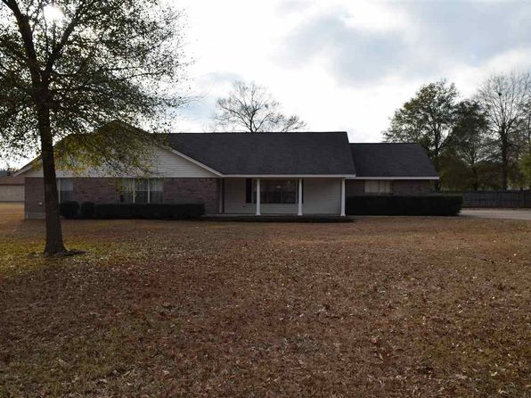 3 bed 4 bath Single Family at 300 Wade St Silsbee, TX, 77656 is for sale at 250k - 1 of 24