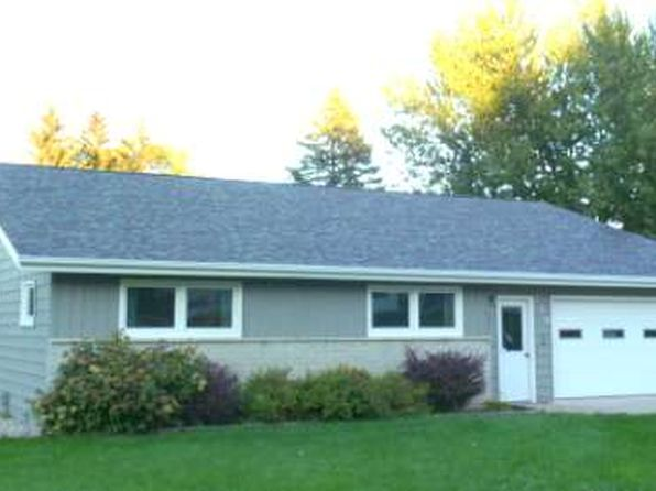 3 bed 2 bath Single Family at 775 Highland Rd Windom, MN, 56101 is for sale at 140k - 1 of 26