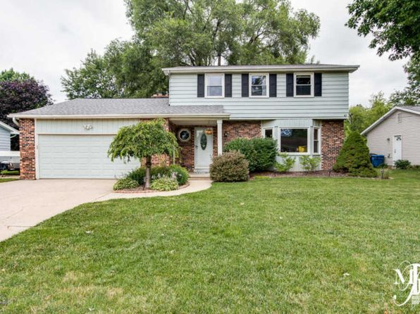 4 bed 1.5 bath Single Family at 3955 41st St SW Grandville, MI, 49418 is for sale at 225k - 1 of 48