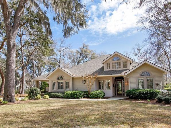 4 bed 3 bath Single Family at 15 Parkwood Dr Hilton Head Island, SC, 29926 is for sale at 719k - 1 of 29