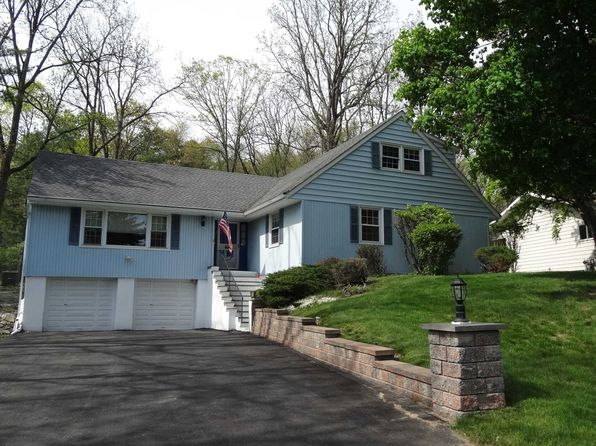 4 bed 3 bath Single Family at 17 Carriage Hill Ln Poughkeepsie, NY, 12603 is for sale at 260k - 1 of 28