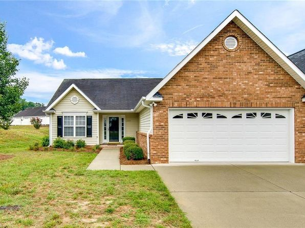 3 bed 2 bath Townhouse at 1045 Glyn Water Ln High Point, NC, 27265 is for sale at 135k - 1 of 24