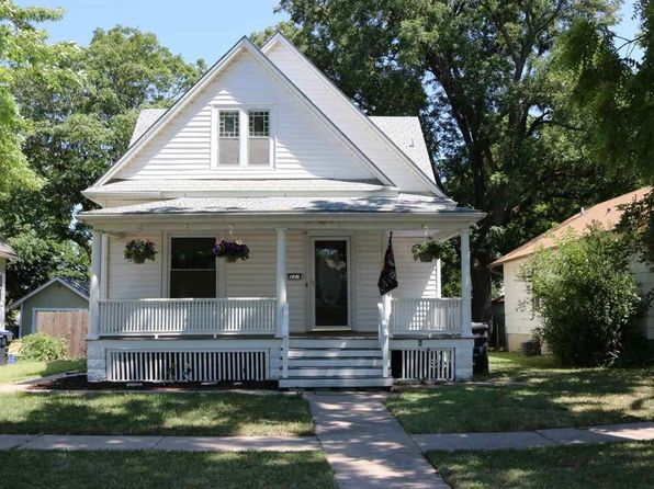 3 bed 2 bath Single Family at 122 E 10th St Newton, KS, 67114 is for sale at 126k - 1 of 36