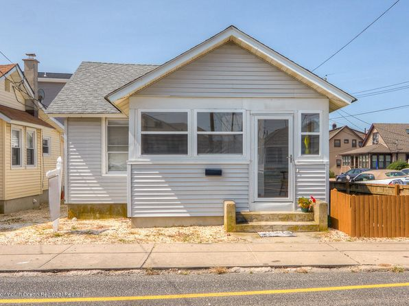 3 bed 1 bath Single Family at 251 Ocean Ave Point Pleasant Beach, NJ, 08742 is for sale at 429k - 1 of 13