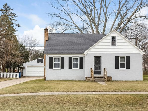 3 bed 1 bath Single Family at 15611 PINE ST GRAND HAVEN, MI, 49417 is for sale at 170k - 1 of 50