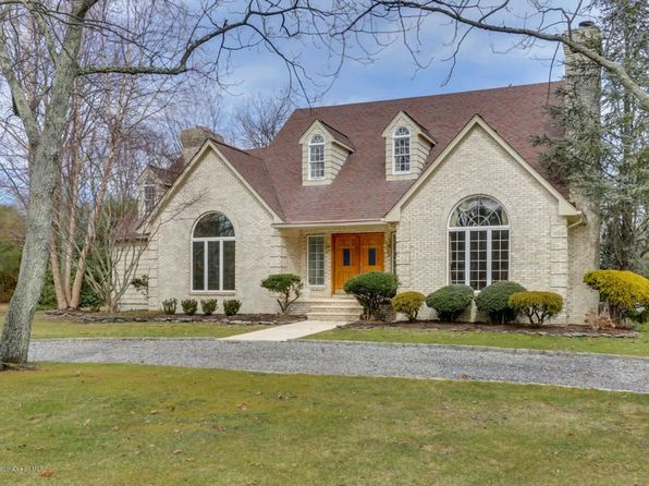 4 bed 3 bath Single Family at 1948 Stratford Ct Toms River, NJ, 08753 is for sale at 679k - 1 of 14