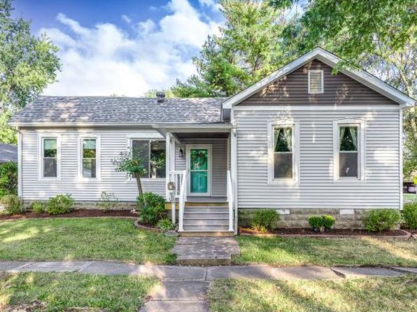 3 bed 2 bath Single Family at 11 S Saint Clair St Altamont, IL, 62411 is for sale at 156k - 1 of 36