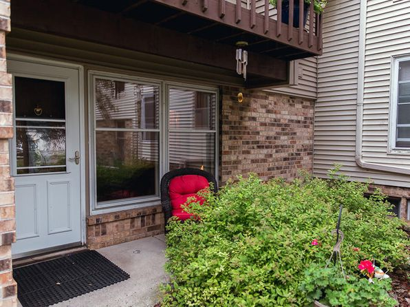 2 bed 1 bath Condo at N114W16700 Crown Dr Germantown, WI, 53022 is for sale at 94k - 1 of 24