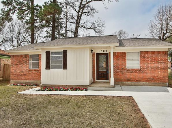 4 bed 2 bath Single Family at 1002 Long St Conroe, TX, 77301 is for sale at 143k - 1 of 11