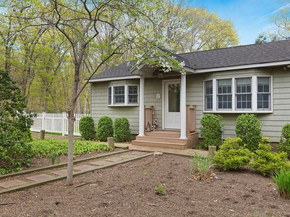 3 bed 2 bath Single Family at 82 Cedar Dr East Hampton, NY, 11937 is for sale at 545k - 1 of 7