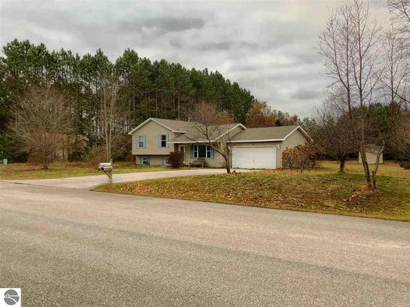 3 bed 2 bath Single Family at 2730 Pine Breeze Dr Interlochen, MI, 49643 is for sale at 180k - 1 of 41
