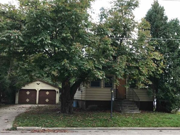 2 bed 1 bath Single Family at 140 E Green Bay St Pulaski, WI, 54162 is for sale at 30k - 1 of 9