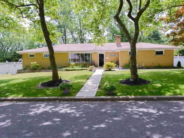 3 bed 3 bath Single Family at 22 Orchard Ave W Holmdel, NJ, 07733 is for sale at 550k - 1 of 32