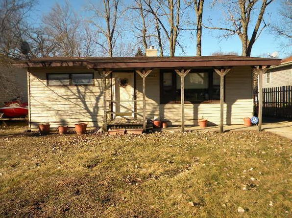 2 bed 1 bath Single Family at 1032 Hillwood Cir Round Lake Beach, IL, 60073 is for sale at 35k - 1 of 10