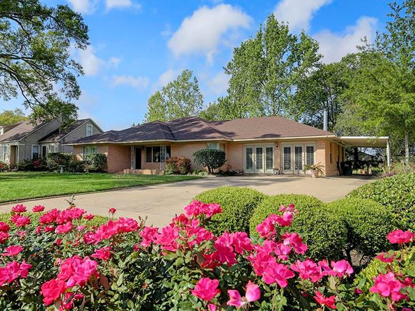 3 bed 2 bath Single Family at 822 N Meyer St Sealy, TX, 77474 is for sale at 225k - 1 of 22