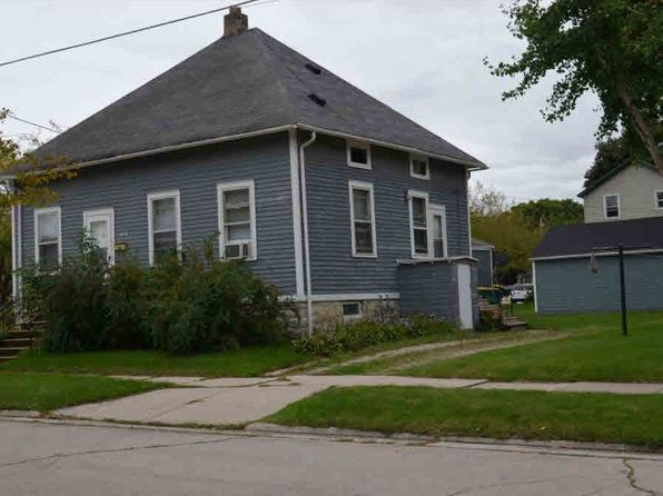 2 bed 2 bath Multi Family at 1182 Day St Green Bay, WI, 54302 is for sale at 51k - 1 of 4