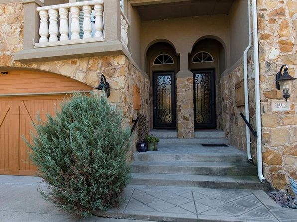 3 bed 3 bath Townhouse at 2615 Villa Di Lago Grand Prairie, TX, 75054 is for sale at 289k - 1 of 36