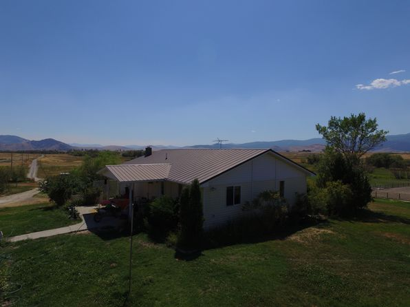 4 bed 3 bath Single Family at 225 Baxter Rd Hot Springs, MT, 59845 is for sale at 950k - 1 of 10