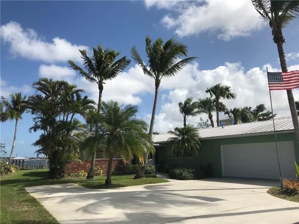 2 bed 2 bath Single Family at 1300 SW Dyer Point Rd Palm City, FL, 34990 is for sale at 1.20m - 1 of 19