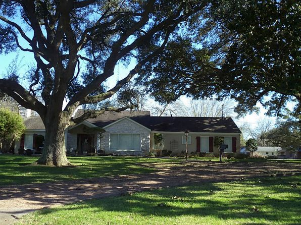 4 bed 3 bath Single Family at 1304 Park Ln Wharton, TX, 77488 is for sale at 340k - 1 of 22