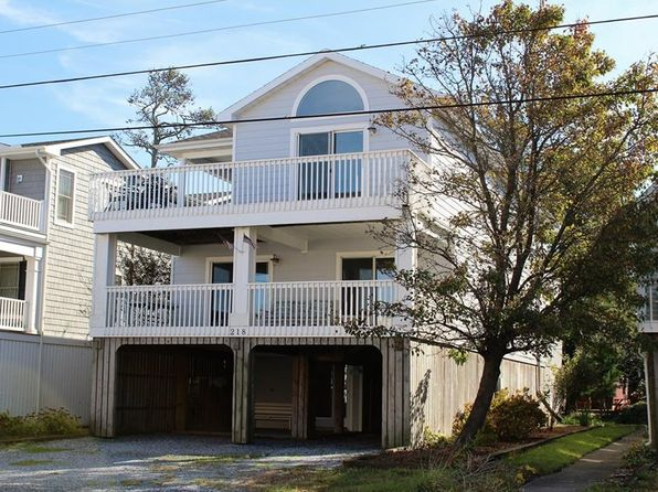 5 bed 4 bath Single Family at 218 HOLLYWOOD ST BETHANY BEACH, DE, 19930 is for sale at 1.09m - 1 of 25