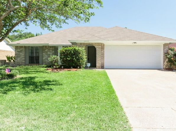 3 bed 2 bath Single Family at 2434 Hallmark St Grand Prairie, TX, 75052 is for sale at 150k - 1 of 35
