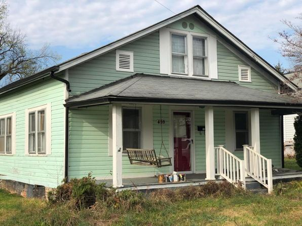 2 bed 1 bath Single Family at 820 Rosedale Ave Loudon, TN, 37774 is for sale at 38k - 1 of 6