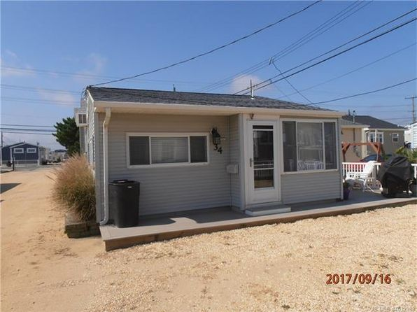 2 bed 1 bath Single Family at 34 Sandpiper Way Toms River, NJ, 08735 is for sale at 390k - 1 of 34