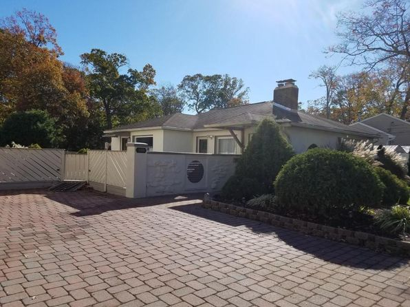 2 bed 1 bath Single Family at 236 Jaehnel Pkwy Point Pleasant Boro, NJ, 08742 is for sale at 285k - 1 of 14