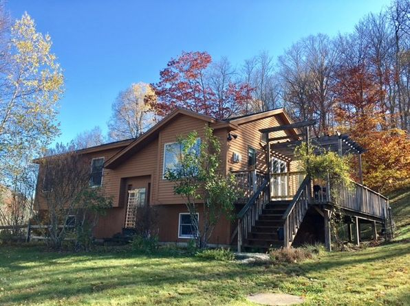 2 bed 2 bath Single Family at 105 Starbuck Rd Pomfret, VT, 05053 is for sale at 265k - 1 of 7
