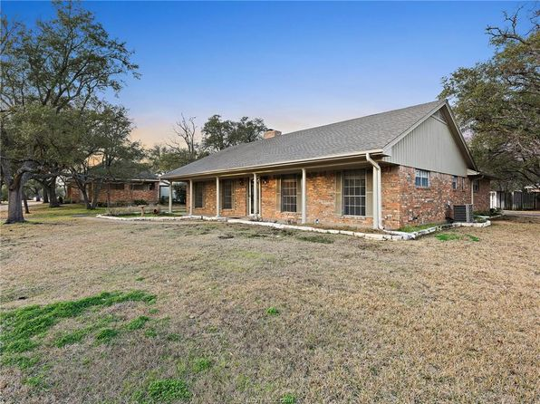 3 bed 3 bath Single Family at 1705 Carter Creek Pkwy Bryan, TX, 77802 is for sale at 235k - 1 of 25