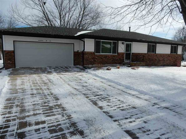 3 bed 3 bath Single Family at 1706 N 13th St Beatrice, NE, 68310 is for sale at 160k - 1 of 16