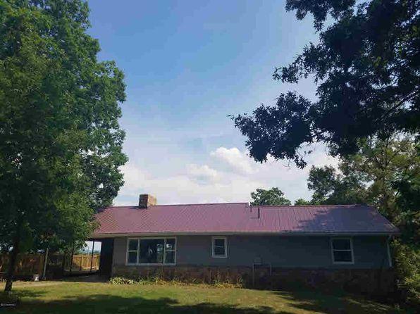 3 bed 1 bath Single Family at 4825 Burgess Ln Pulaski, VA, 24301 is for sale at 225k - 1 of 74