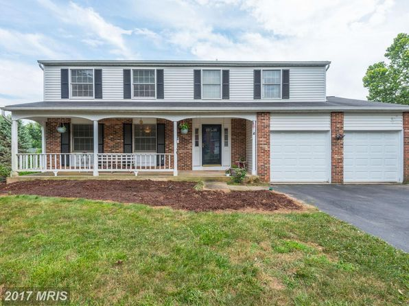 4 bed 3 bath Single Family at 14651 Rolling Green Way North Potomac, MD, 20878 is for sale at 700k - 1 of 25