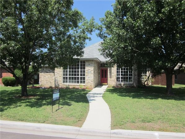 3 bed 2 bath Single Family at 401 Meadow Ln Denton, TX, 76207 is for sale at 218k - 1 of 15