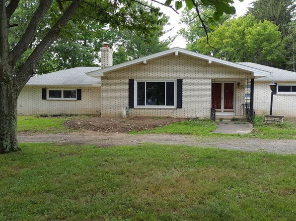 3 bed 3 bath Single Family at 8498 Albion Rd Cleveland, OH, 44133 is for sale at 225k - 1 of 11