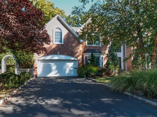 5 bed 4 bath Single Family at 8 Max Pl Westfield, NJ, 07090 is for sale at 1.30m - 1 of 52